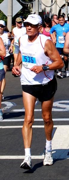 runner_with_skinny_legs